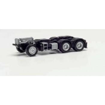 Herpa 085335 Fahrgestell Mercedes-Benz 6x4 mit Heckabstützung und Konsole für Ladekran